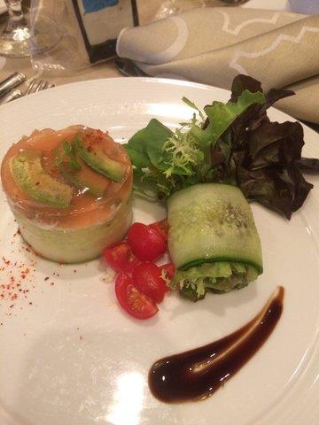 Peekytoe crab salad with avocado, tomato gelee and mesclun greens.